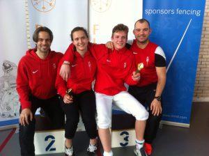 NJK 23-4-2016 met Aliya Dhuique-Hein winnaar bij dames floret cadetten en trainers Matthijs Rohlfs en Daniel Nivard